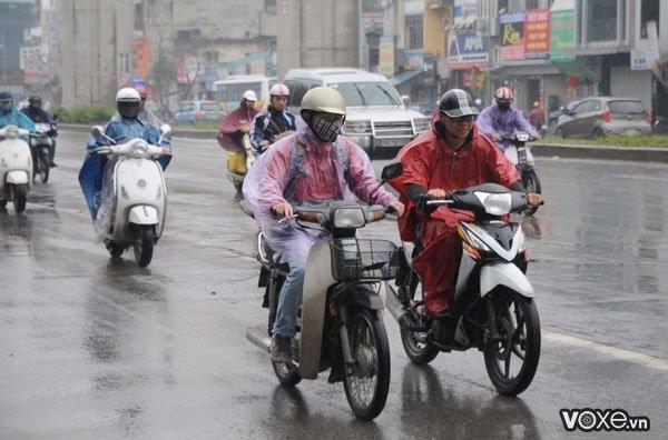 Xe máy nên thay vỏ xe loại nào cho mùa mưa - 1