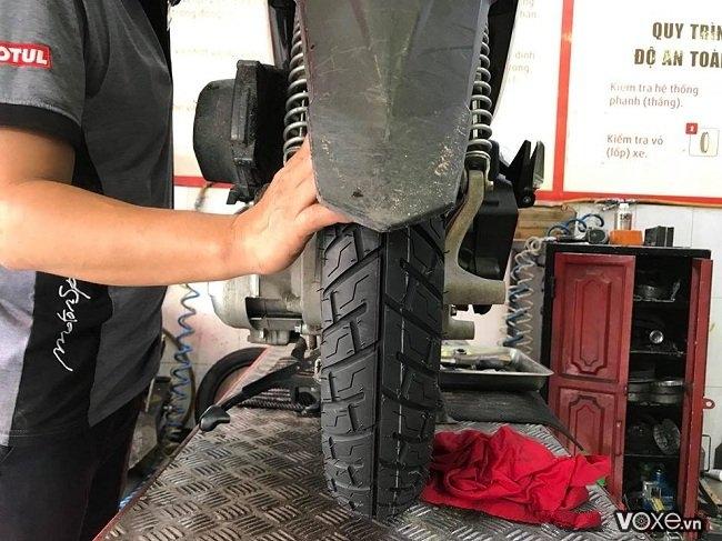Cần lưu ý gì khi thay vỏ không ruột cho xe máy vỏ michelin giá bao nhiêu - 5